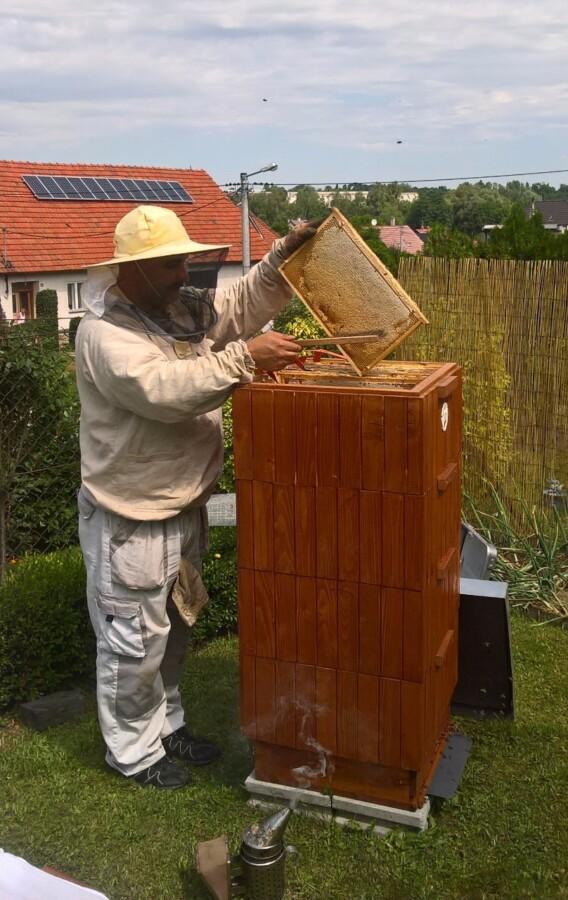 Včelař Luděk Klinkovský