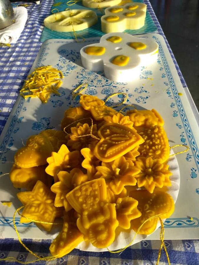 Ozdoby ze včelího vosku